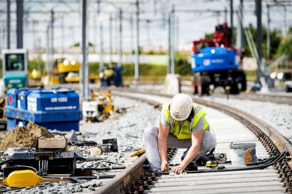 Work on rail tracks