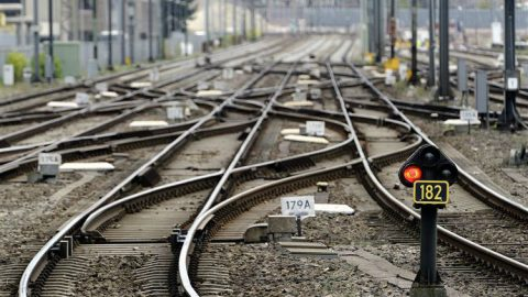 red signal tracks