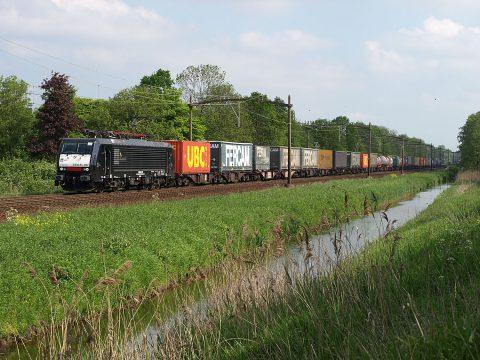 Freight train Dordrecht Zuid