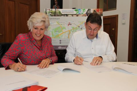 signing of contract Strukton Rail and Dutch infrastructure manager ProRail