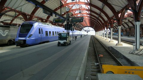 Skånetrafiken train at Malmö Central Station.