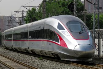 CR400AF high-speed train, source: Wikipedia