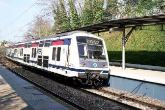 MI 2N double-decker train, source: Wikipedia