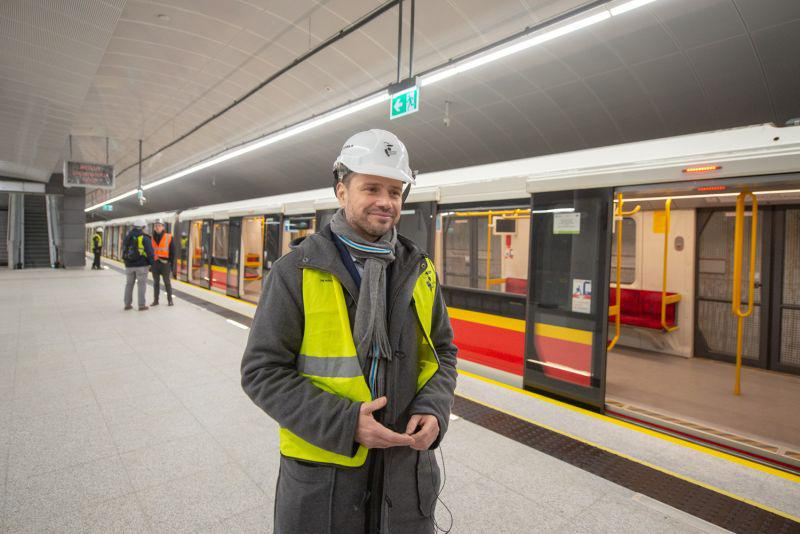 Rafal Trzaskowski in Warsaw metro, source: Warsaw Transport Authority