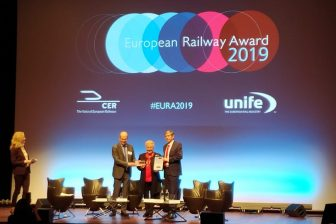 Catherine Trautmann receives European Railway Award, source: Marieke van Gompel