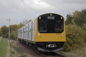 Vivarail battery-powered train, source: Vivarail