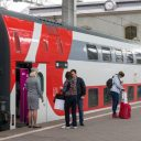 Boarding on double-decker train in Russia, source: Russian Railways (RZD)