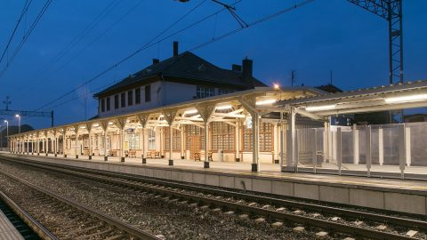 LED lights at Miedzyzdroje train station, source: PKP PLK