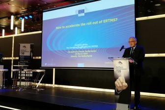 Matthias Ruete speaks at RailTech Europe, source: RailTech