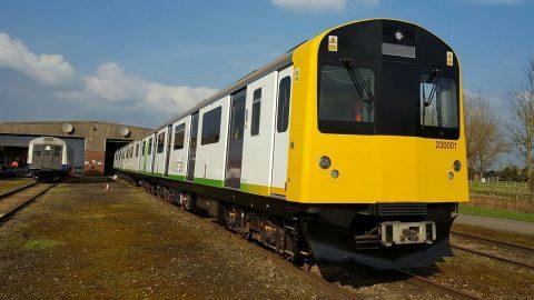 Vivarail battery-powered train, source: Vivarail
