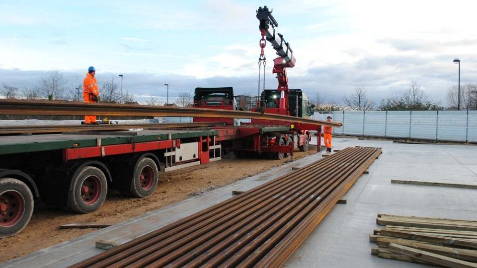 Bad handling of rails, source: British Steel