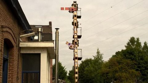 Mechanical semaphore in Belgium, source: Infrabel
