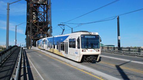 Siemens SD660 tram in Portland, source: Wikipedia