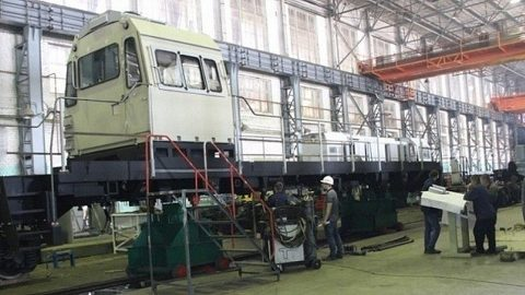Sinara Group assembles new type of LNG-powered locomotive, source: Sinara Group