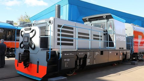 Concept of first Russian hybrid locomotive, source: Transmashholding