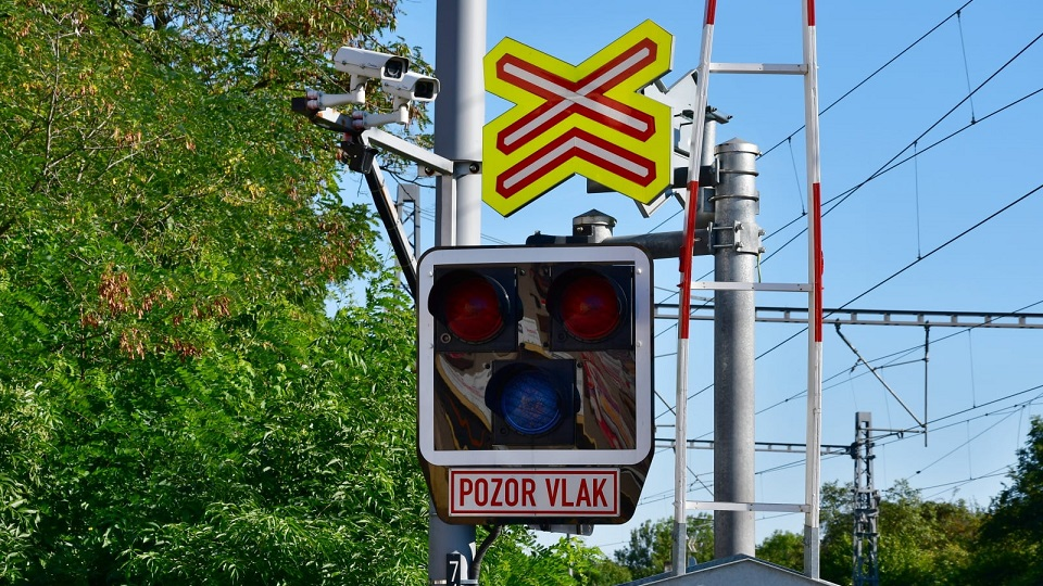Cameras at level crossing in Czechia, source: SŽDC