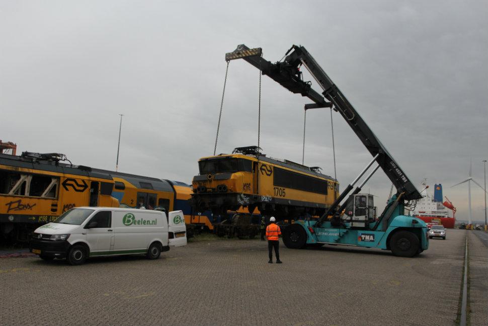 Handling of NS Class 1700 locomotive, source: Paul van den Bogaard