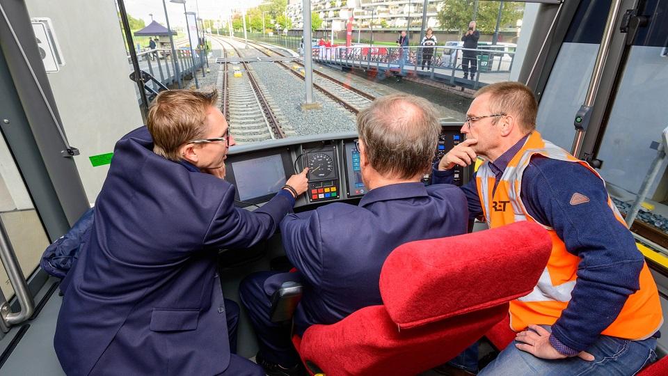 Metro train at Hoekse Lijn, source: Rotterdamse Elektrische Tram (RET)