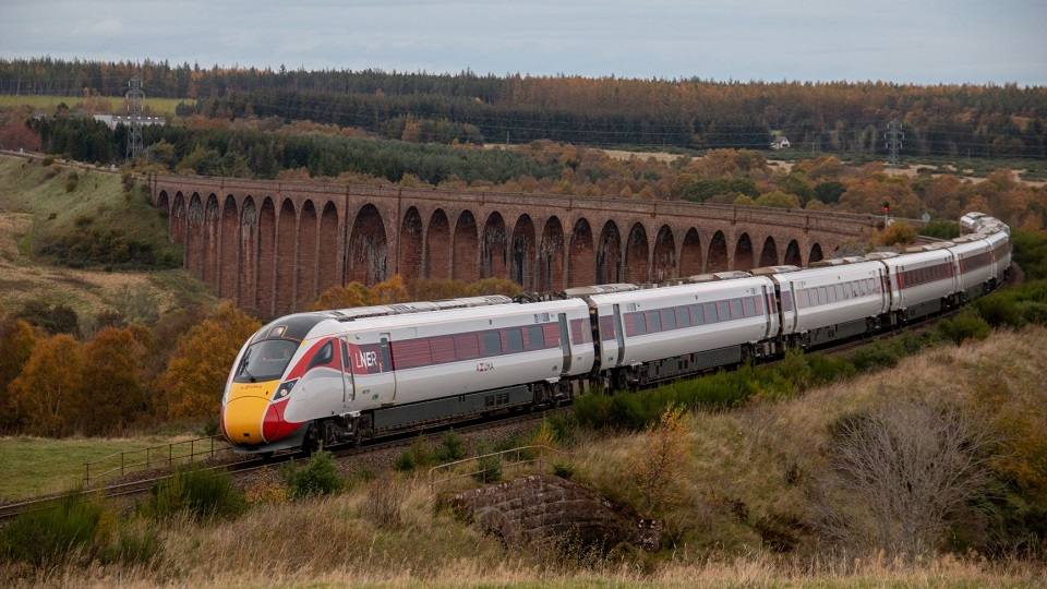 Azuma bi-mode train in Highlands