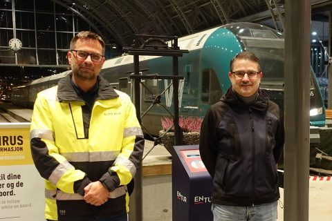 Bane NOR has entered into a contract with Azvi to rehabilitate the Ulriken tunnel from 1964. From left: Acting Project Manager Torbjørn Søderholm in Bane NOR and project manager Francisco Javier Cabeza Lainez in Azvi.