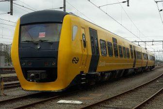 A DM-90 diesel train from NS