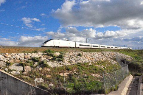 Avril 363 train, Talgo